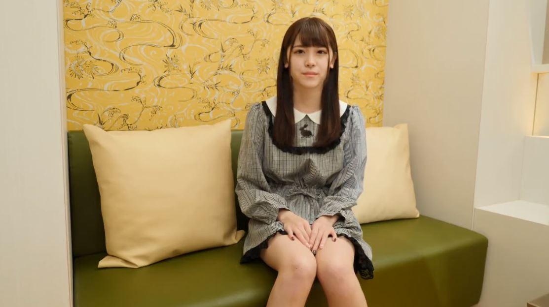 【個人撮影】《神カワ18歳美少女円光》『まじで鬼カワ』顔アップでイッテしまうwww